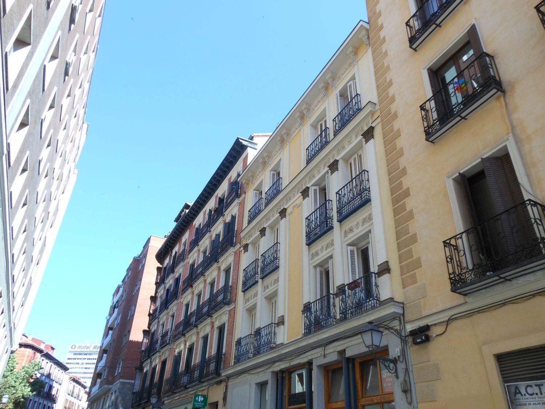 Piso en venta, de San Bernardino, Madrid