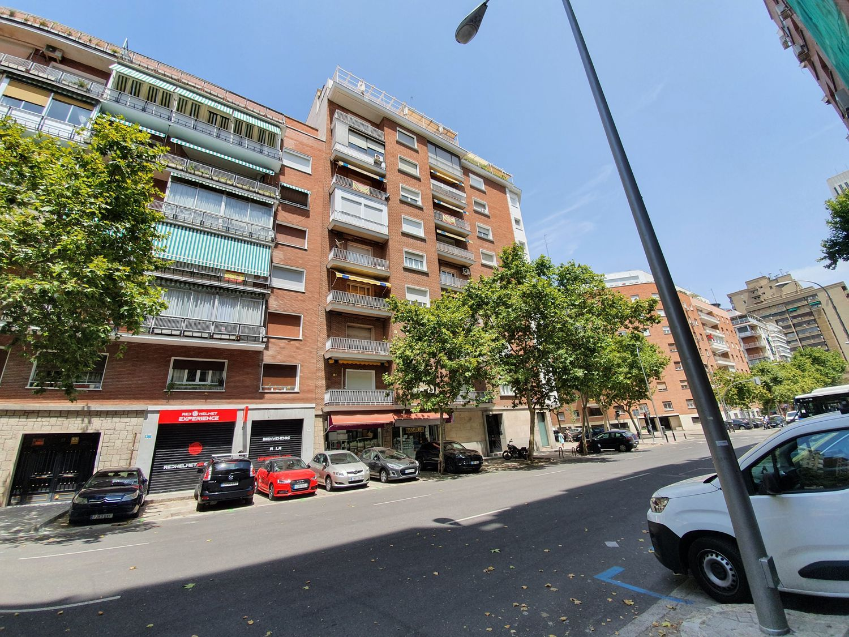 Piso en alquiler, Reina Mercedes, Madrid